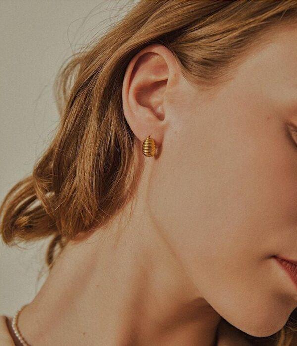 Σκουλαρίκια Mini Croissant Hoop Earrings