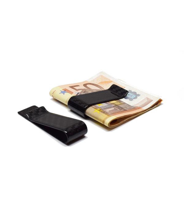 Μαύρη Πιαστρα χρηματων και καρτων